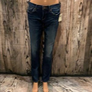 ❤️BRAND NEW LUCKY BRAND JEANS IN STRAIGHT LEG